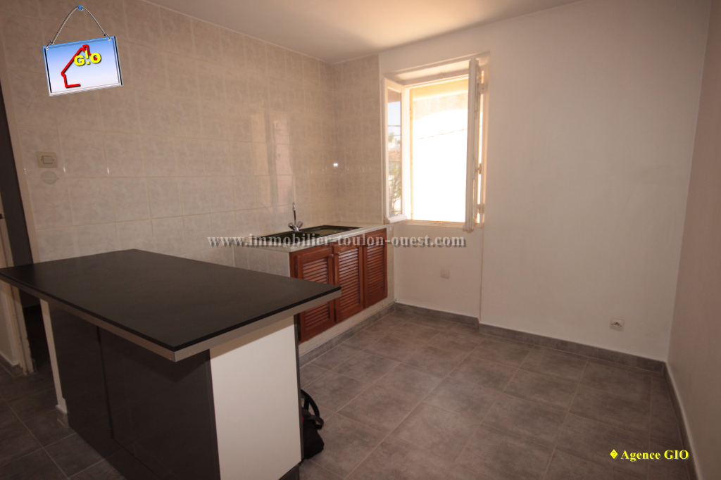 REF 1189 - IMMOBILIER TOULON OUEST - AGENCE IMMOBILIERE  G.I.O. TOULON OUEST - LOCATION APPARTEMENT .TYPE 1- 45 M²