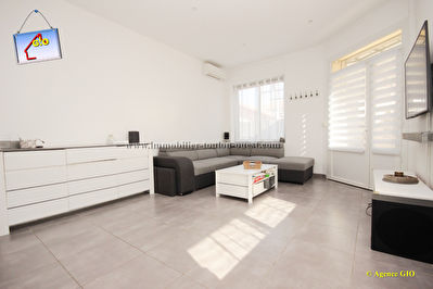 EXCLUSIVITE - TOULON OUEST - BAS DE VILLA  T4 DE 67 M2 - JARDIN PRIVATIF - PISCINE - GARAGE 3/16