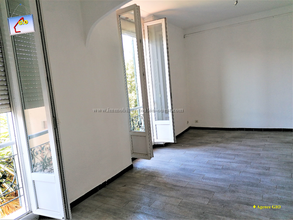 REF 2350- IMMOBILIER TOULON OUEST - AGENCE IMMOBILIERE  G.I.O. TOULON OUEST - LOCATION APPARTEMENT TYPE 2- 45 M² 2/11