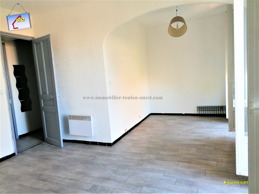 REF 2350- IMMOBILIER TOULON OUEST - AGENCE IMMOBILIERE  G.I.O. TOULON OUEST - LOCATION APPARTEMENT TYPE 2- 45 M² 3/11