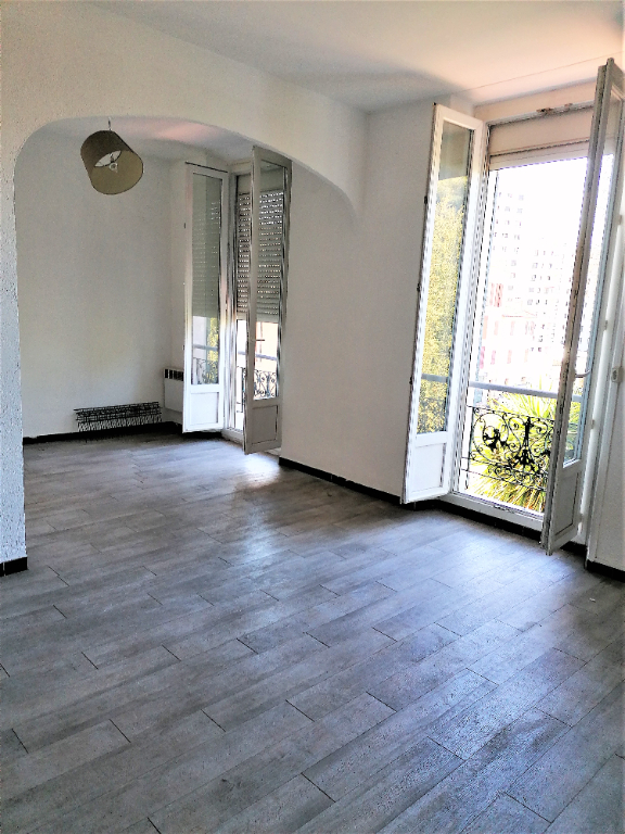 REF 2350- IMMOBILIER TOULON OUEST - AGENCE IMMOBILIERE  G.I.O. TOULON OUEST - LOCATION APPARTEMENT TYPE 2- 45 M² 4/11