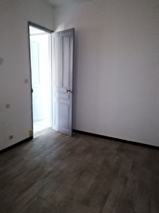 REF 2350- IMMOBILIER TOULON OUEST - AGENCE IMMOBILIERE  G.I.O. TOULON OUEST - LOCATION APPARTEMENT TYPE 2- 45 M² 7/11
