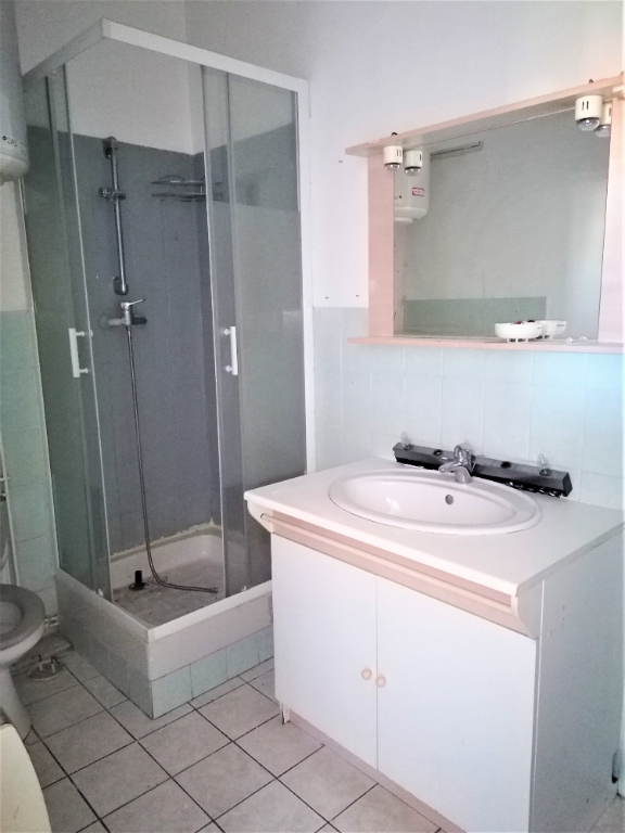 REF 2350- IMMOBILIER TOULON OUEST - AGENCE IMMOBILIERE  G.I.O. TOULON OUEST - LOCATION APPARTEMENT TYPE 2- 45 M² 10/11